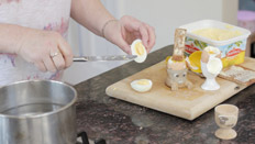 007-Boiling-eggs