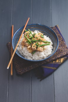 2386_pork_and_peanut_Thai_curry-nosh-sugar-free-gluten-free-recipe-featured